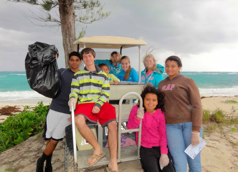 bahamas, abaco, green turtle cay, beach clean up, ocean beach, environment, youth