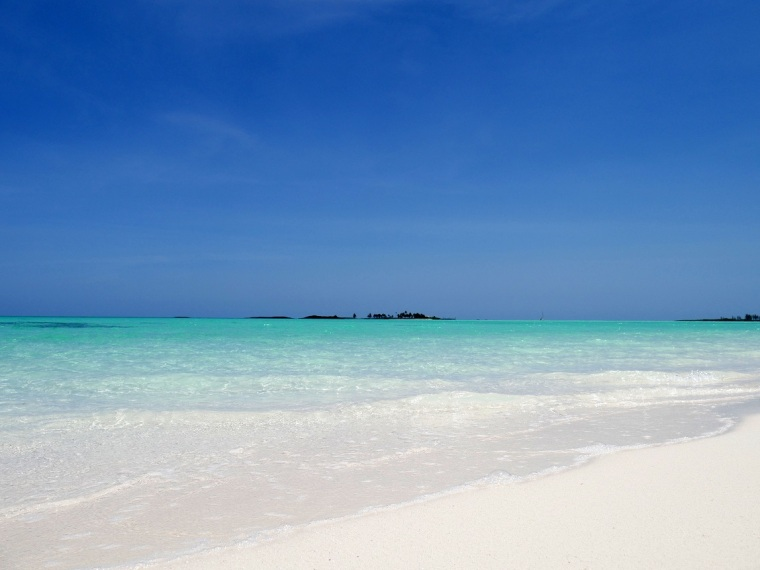 Gillam Bay beach, Green Turtle Cay, Bahamas. www.littlehousebytheferry.com