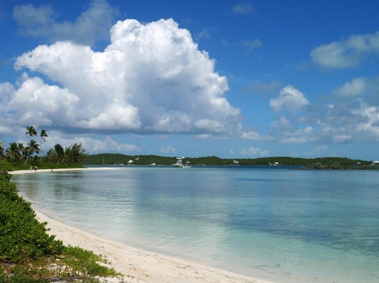 Tahiti Beach - Hope Town, Bahamas (Photo: Amanda Diedrick - LittleHousebytheFerry.com)