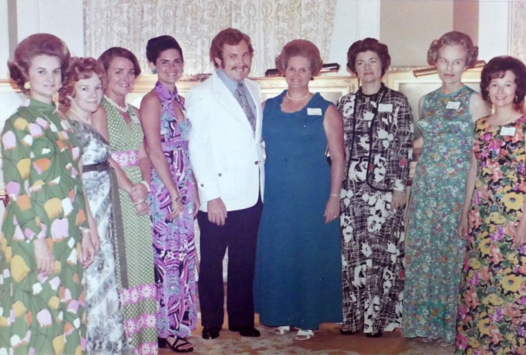 Iva (second from left) was a hostess for many of Alton's Nassau art shows