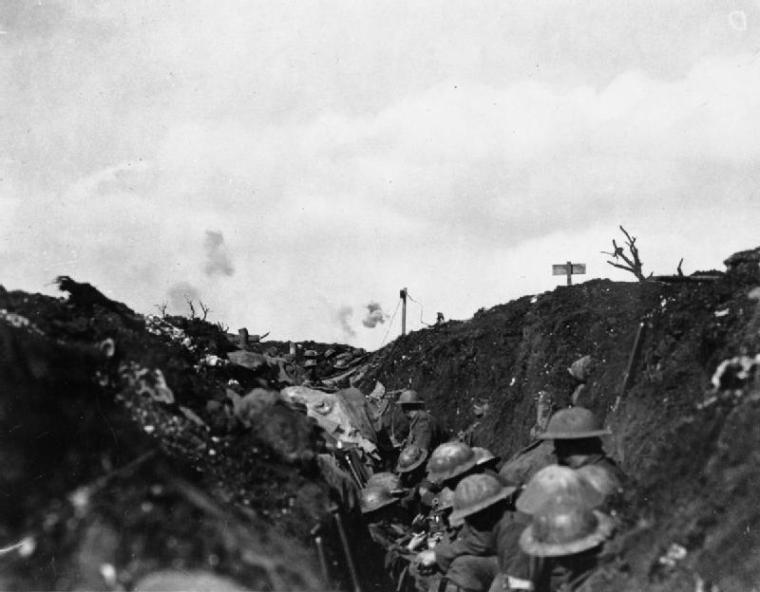 Canadian troops under fire during the Battle of the Somme, Courcelette, France (1916)